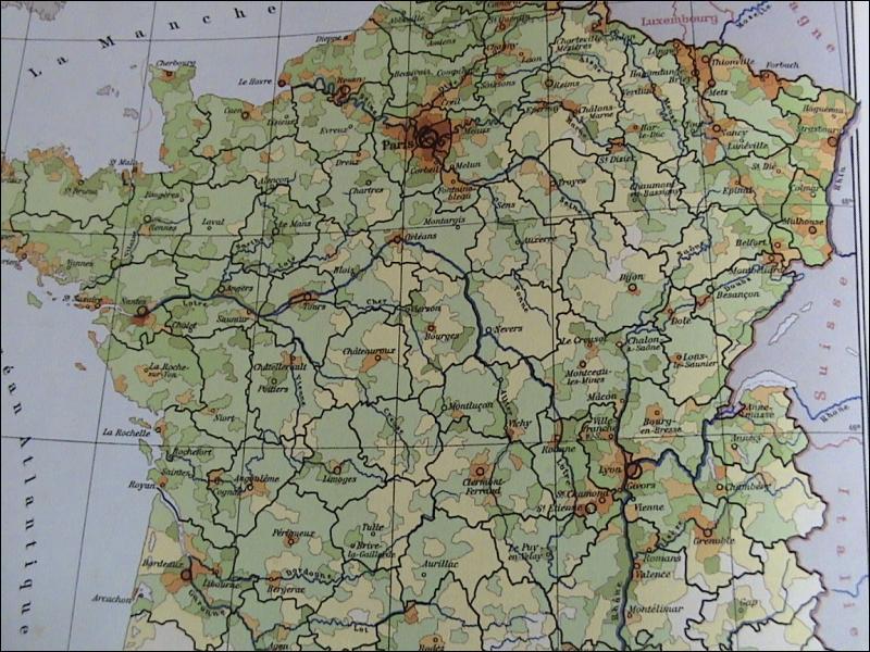 La France métropolitaine et ses départements d'Outre-mer compte combien d'habitants au 1 janvier 2010 ?