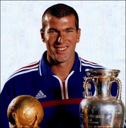 Qui est cet ancien membre de l'Equipe de France de football ?
