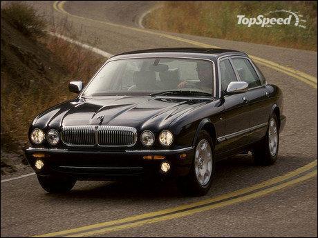 De quelle célèbre marque cette voiture fait-elle partie ?