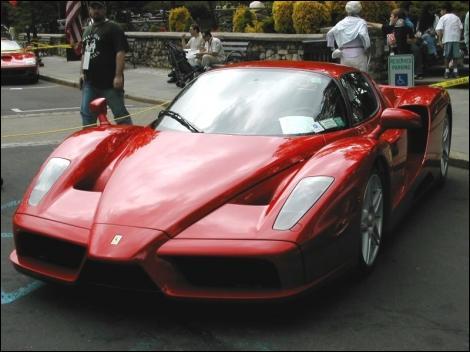 Quelle est la classe de la Ferrari Enzo ?
