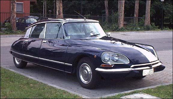 Quel modèle le groupe Citroën a-t-il lancé dans les années 50 ?