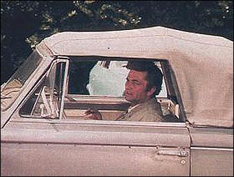 De quelle année est la 403 Peugeot cabriolet du lieutenant Columbo ?
