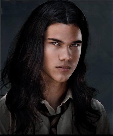 Quel est le loisir préféré de Taylor Lautner (Jacob Black) ?