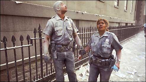 Et combien de policiers (ville de New York et Autorité Portuaire) ont péri ?