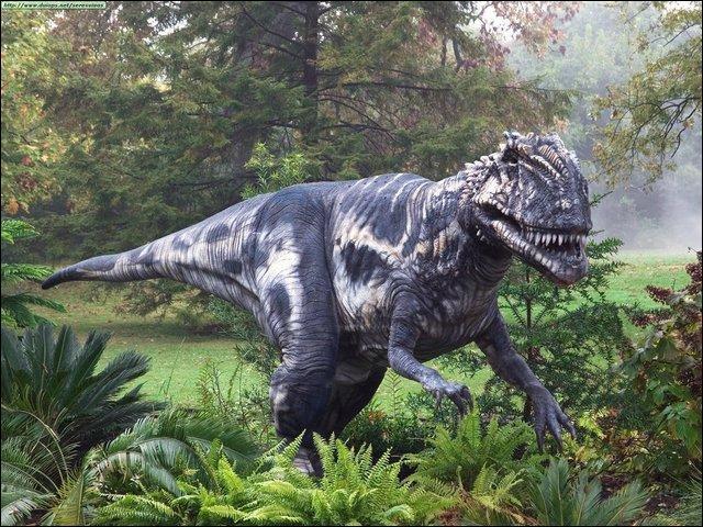 Comment s'appelle cet autre dinosaure carnivore ?
