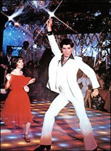 Quel est le nom du personnage interprété par John Travolta dans « La Fièvre du Samedi Soir » et dans « Staying Alive » ?