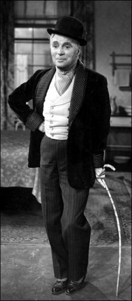 Dans le film «Les Feux de la Rampe», quel est le métier de Charlie Chaplin ?