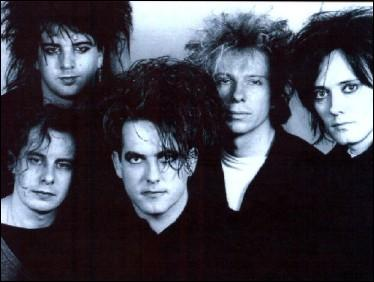 The Cure, groupe de rock et de new wave britannique, ont chanté