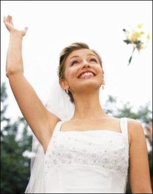 Le lancé du bouquet de la mariée est destiné...