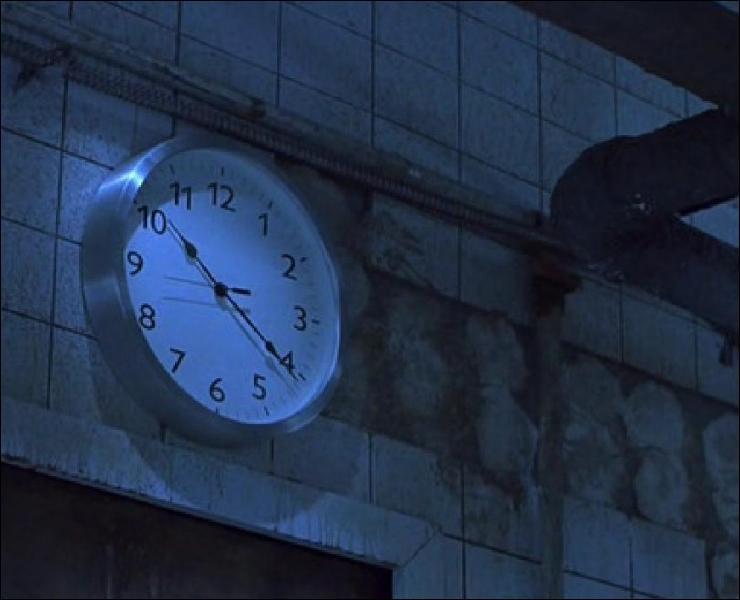 Jusqu'à quelle heure Lawrence a-t-il pour tuer Adam ?