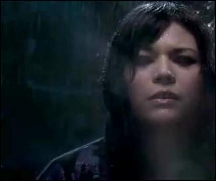 Dans le clip 'j'aimerais tellement' Jena Lee est : :