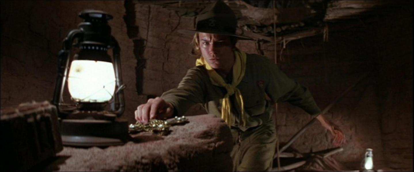 Combien de fois Indy vole la croix de Coronado ?