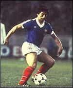 Lors de quelle coupe du monde le Français Alain Giresse fut considéré comme le meilleur joueur derrière Paolo Rossi ?