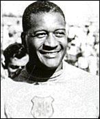 Il fut le héros malheureux de la finale 1950, rejeté par son peuple... c'est ?