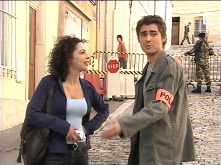 Pourquoi Nicolas demande-t-il à cette journaliste de quitter les lieux ?