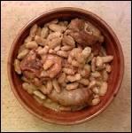 Chaque année des chapiteaux accueillent des milliers de convives venus fêter et déguster le cassoulet de ...