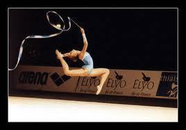 Comment s'appelle le sport qui ressemble à la gymnastique mais avec des accesoires ?