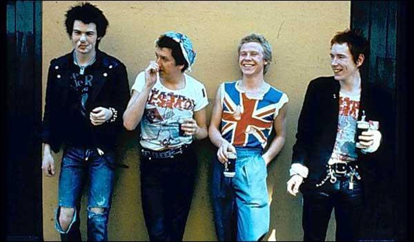 Ils ont porté très haut l'étendard de la révolte punk en 1977...