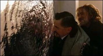 Dans quelle pièce Drake utilise-t-il le sortilège du miroir magique contre Horwath ?