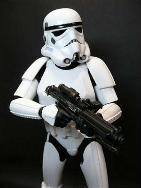 Le stormtrooper qui porte le matricule THX_1138 est un clin d'oeil au premier film de Lucas ?
