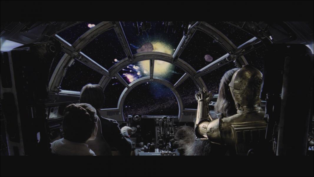 Dans quel système se trouve le Faucon Millenium après avoir échappé aux impériaux ? ?