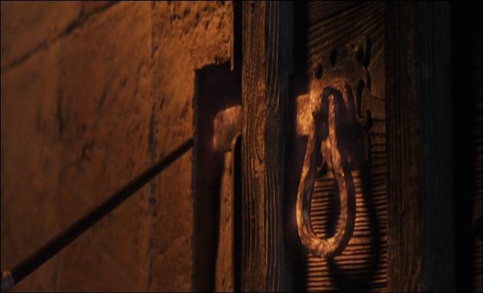 Il faut absolument ouvrir cette porte fermée, à toi de jouer ...