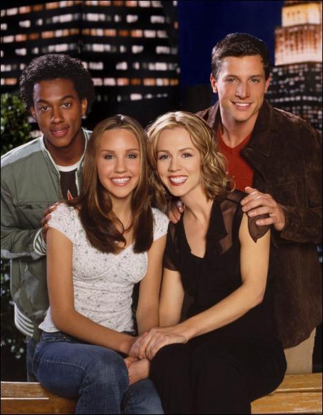 Dans quelle série Simon Rex incarne-t-il Jeff, le fiancé de Jennie Garth ?