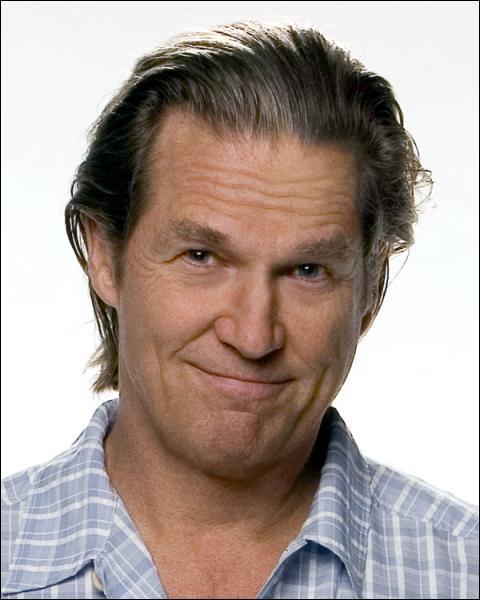 Dans quel remake de l'un de ses propres films Jeff Bridges a-t-il accepté de jouer ?