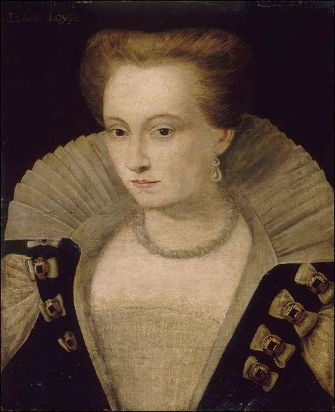 En la cathédrale de Reims, le 15 février 1575, Henri III épouse – 2 jours après son sacre – une jeune princesse française de 22 ans. Quel est son nom ?