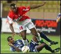 Shabani Nonda est passé de Rennes à Monaco en 2000 pour un transfert s'élevant à 19,8 M. Quelle est la nationalité de ce joueur ?