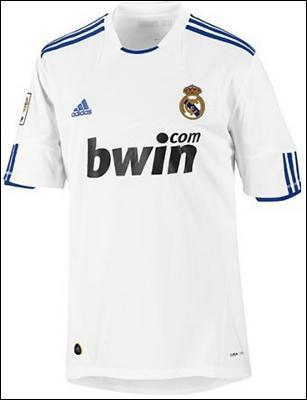 Voici le maillot d'une équipe prestigieuse avec des joueurs comme Kaka , Benzema , Ronaldo...