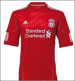 Quel est le nom de cette équipe Anglaise qui joue en rouge...
