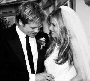 Quand épousa t-elle Brad Pitt ?