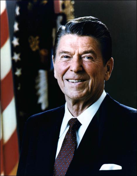 Quelles sont les dates du mandat du président Ronald Reagan ?