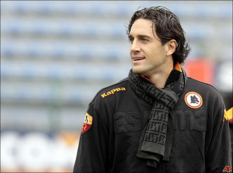 Quel joueur a joué 6 mois (en prêt) à la Roma ?