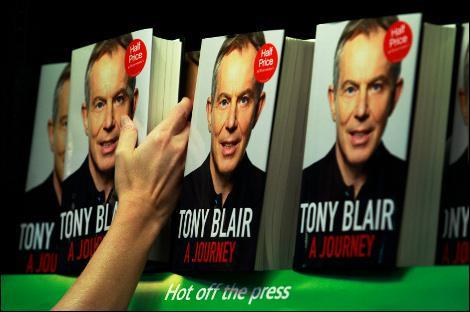 Dans son autobiographie, l'ancien premier ministre britannique Tony Blair ne fait qu'une bouchée de son successeur Gordon Brown