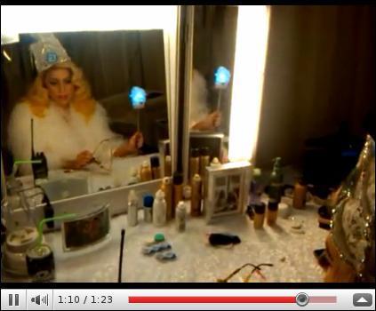 Qu'a fait Lady Gaga pour épater ses 5, 7 millions d'abonnés sur son compte Twitter ?