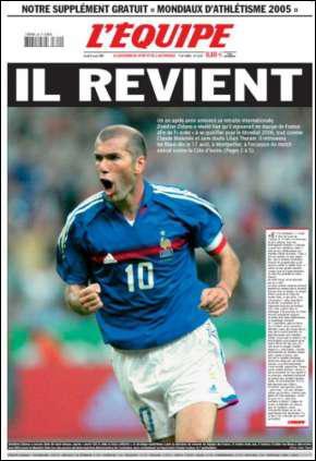 Après l'élimination à l'Euro 2004, Zidane annonce sa retraite internationale. Mais il revient en bleu en 2005, face à la Côte d'Ivoire. Et pour son retour, il marque contre les ivoiriens...
