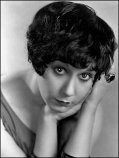 Actrice québécoise, elle jouait souvent dans des rôles de filles françaises légères du « Gay Paris » :