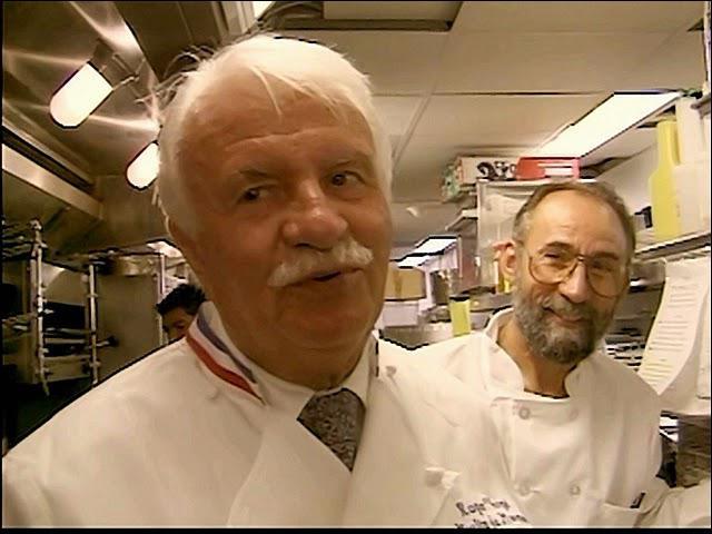 Ce Chef est retiré des affaires. Chef du ' Moulin de Mougins'. Il a la particularité d'avoir quelques grands chefs. Associé aussi avec d'autres chefs au pavillon français de Disneyworld.