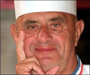 C'est 'Le pape' de la gastronomie française. posséde ' L'auberge du pont de Collonges' dans le Rhône, plusieurs brasserie dans Lyon et une à Tokio, c'est Monsieur. .