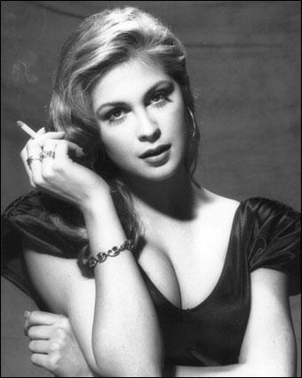 Kelly Rutherford est Lily Van Der Woodsen, la mère de Serena. Dans quel film d'horreur réalisé par Wes Craven a-t-elle joué en 2003 ?