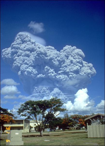 Dans quel pays se trouve le volcan Pinatubo ?