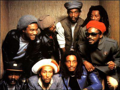 Quel groupe Peter Tosh forma-t-il avec Bob Marley ?