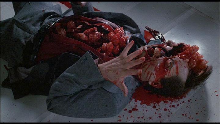 Quel etait d'après ces réalisateurs 'Grand public', l'un des plus grands en matière d'Horreur serie B ?