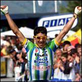 Pur grimpeur, passé par la Kelme et la Barloworld, il compte à son palmarès trois étapes du Tour d'Espagne et un succès sur le Tour de France, à Ax 3 Domaines, en 2001…