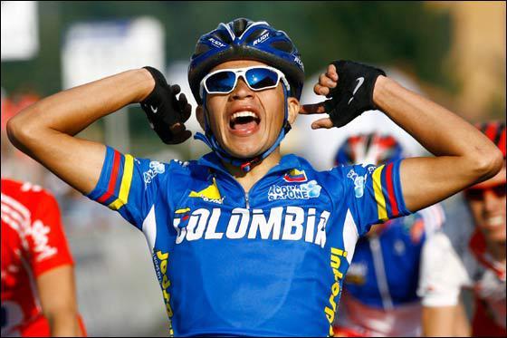 Champion du monde chez les Espoirs en 2008 à Varèse, il fera partie de la future équipe Geox pour la saison 2011…