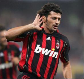 C'est le seul footballeur géorgien à avoir remporté la Champion's League, à deux reprises, avec le Milan AC. Vous avez reconnu cet athlétique défenseur...
