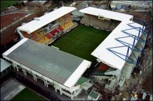 Les Verts de Saint-Etienne, 10 fois champions de France en ligue 1, évoluent sur le stade Geoffroy-Guichard surnommé ...