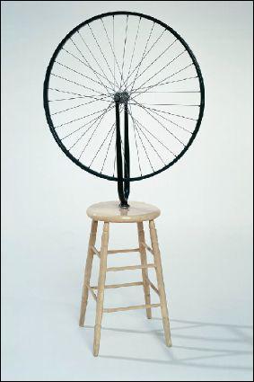 Qui a fait la sculpture 'La roue de bicyclette' ?